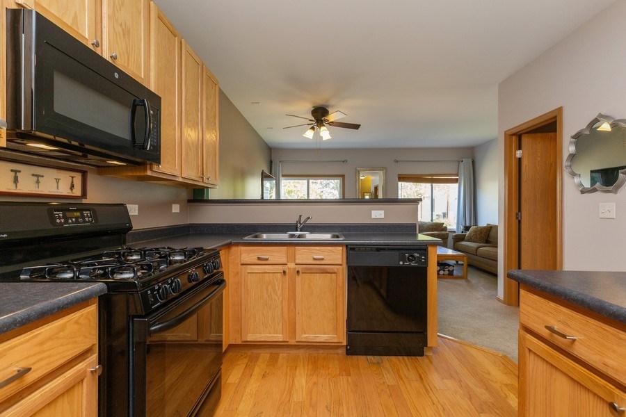 Real Estate Photography - 237 Nicole Dr. Unit D, South Elgin, IL, 60177 - Kitchen