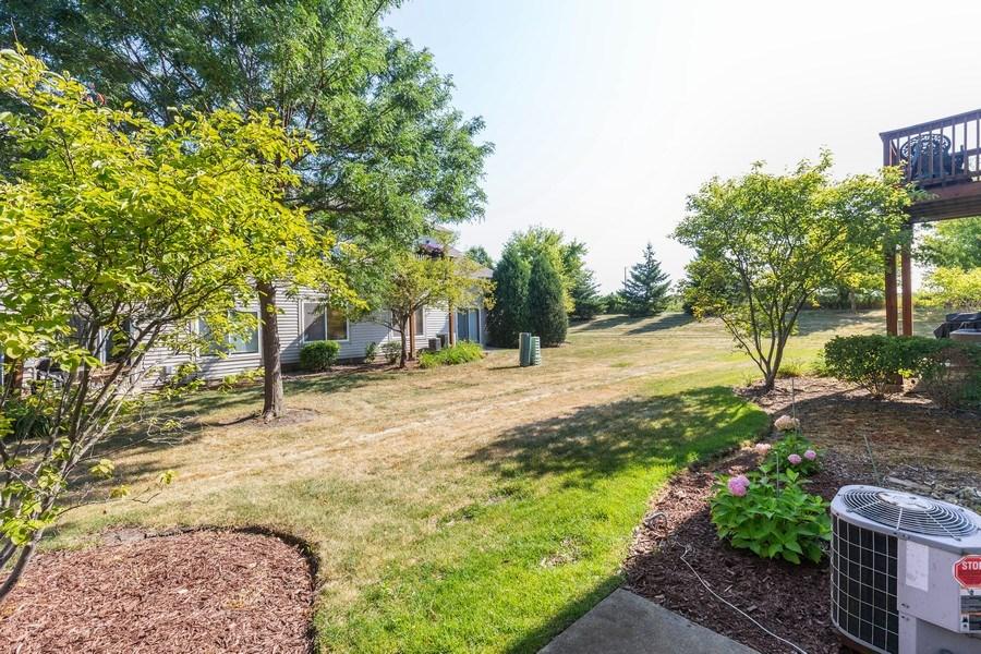 Real Estate Photography - 237 Nicole Dr. Unit D, South Elgin, IL, 60177 - Back Yard