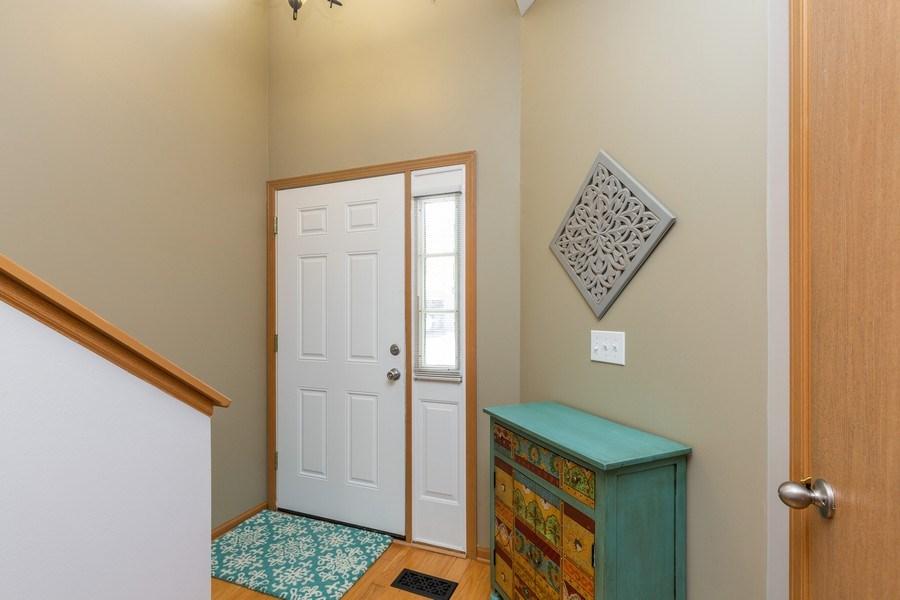 Real Estate Photography - 237 Nicole Dr. Unit D, South Elgin, IL, 60177 - Foyer