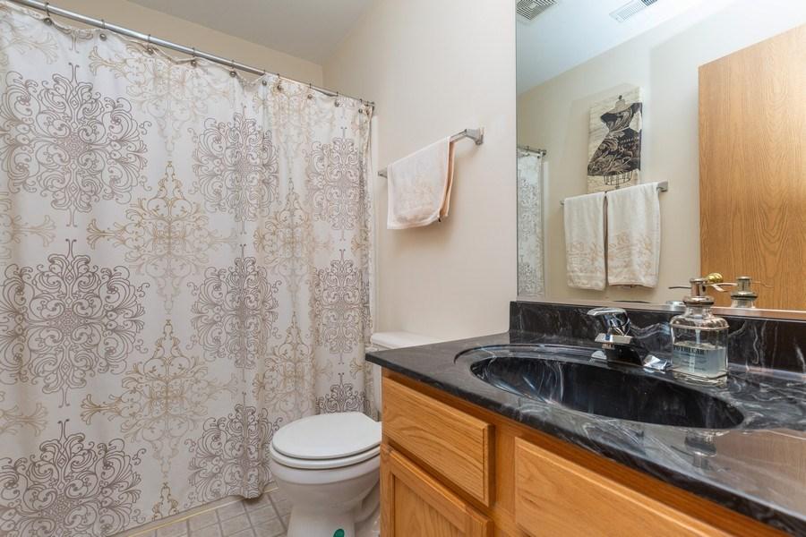 Real Estate Photography - 237 Nicole Dr. Unit D, South Elgin, IL, 60177 - Bathroom