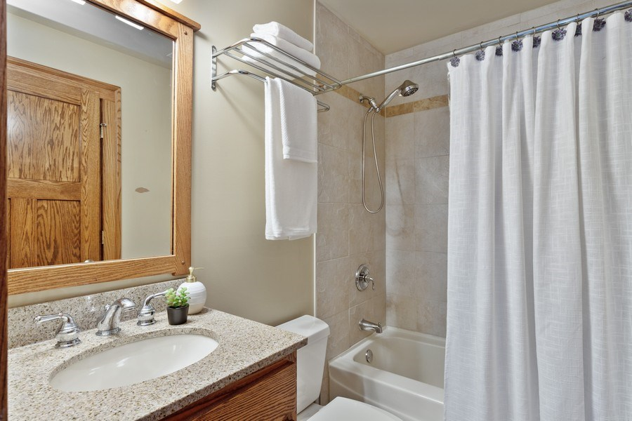 Real Estate Photography - 133 Scottswood Road, Riverside, IL, 60546 - 4th Bathroom
