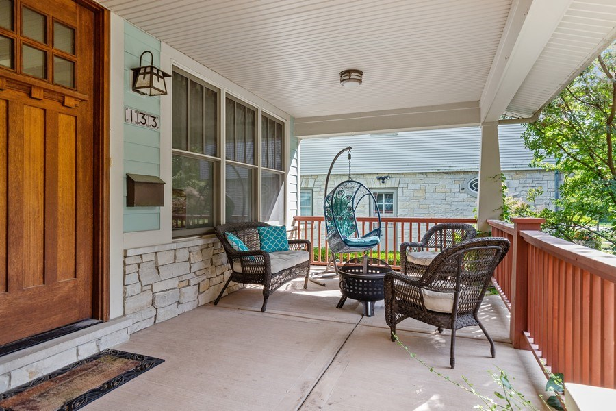 Real Estate Photography - 133 Scottswood Road, Riverside, IL, 60546 - Porch
