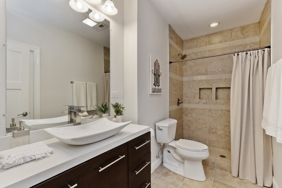 Real Estate Photography - 133 Scottswood Road, Riverside, IL, 60546 - 2nd Bathroom
