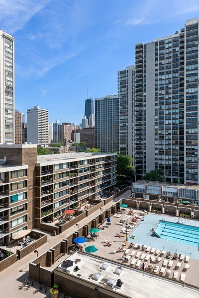 Real Estate Photography - 1560 N Sandburg Ter 904, Chicago, IL, 60610 - City View