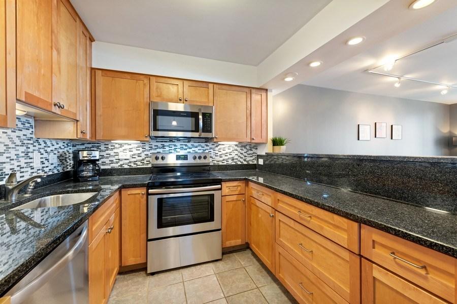 Real Estate Photography - 1560 N Sandburg Ter 904, Chicago, IL, 60610 - Kitchen
