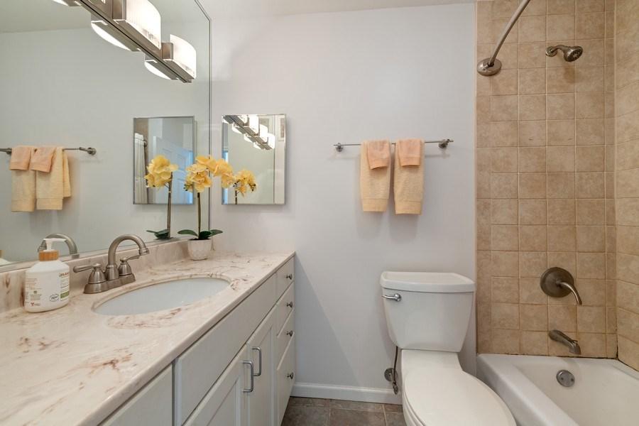 Real Estate Photography - 1560 N Sandburg Ter 904, Chicago, IL, 60610 - Bathroom
