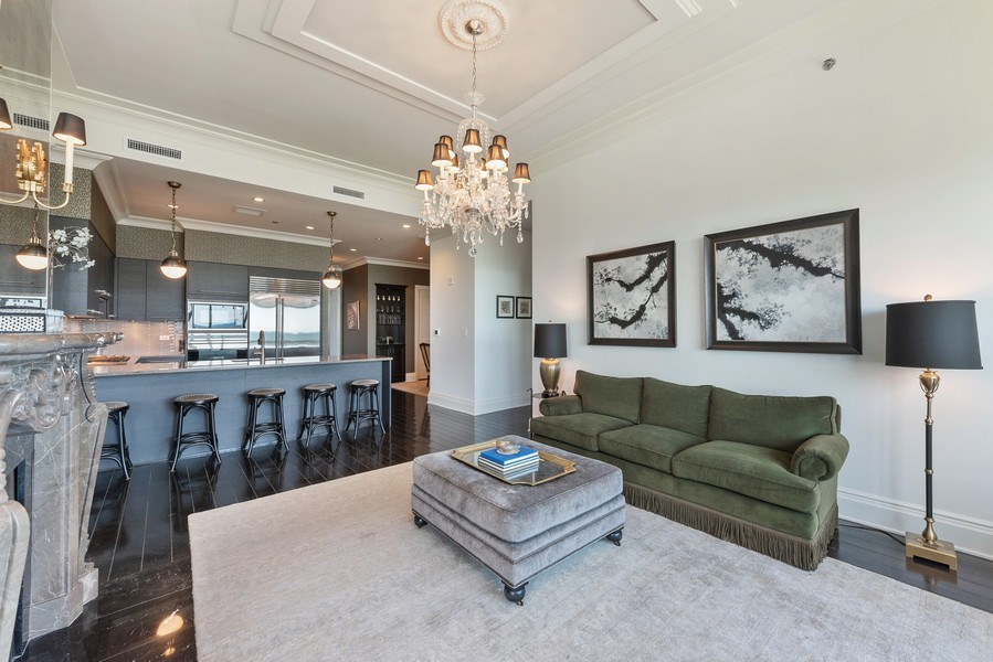Real Estate Photography - 2550 N. Lakeview Ave., S1805, Chicago, IL, 60614 - Living Room