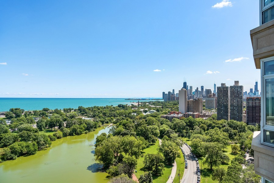 Real Estate Photography - 2550 N. Lakeview Ave., S1805, Chicago, IL, 60614 - City View