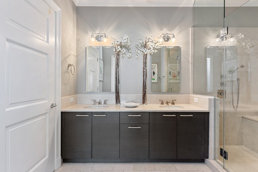 Real Estate Photography - 2550 N. Lakeview Ave., S1805, Chicago, IL, 60614 - Master Bathroom