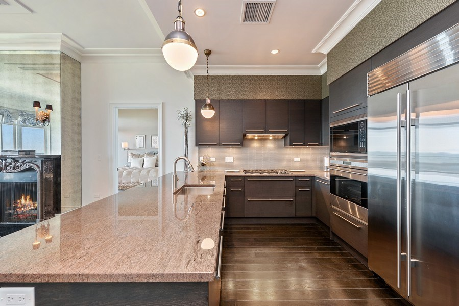 Real Estate Photography - 2550 N. Lakeview Ave., S1805, Chicago, IL, 60614 - Kitchen
