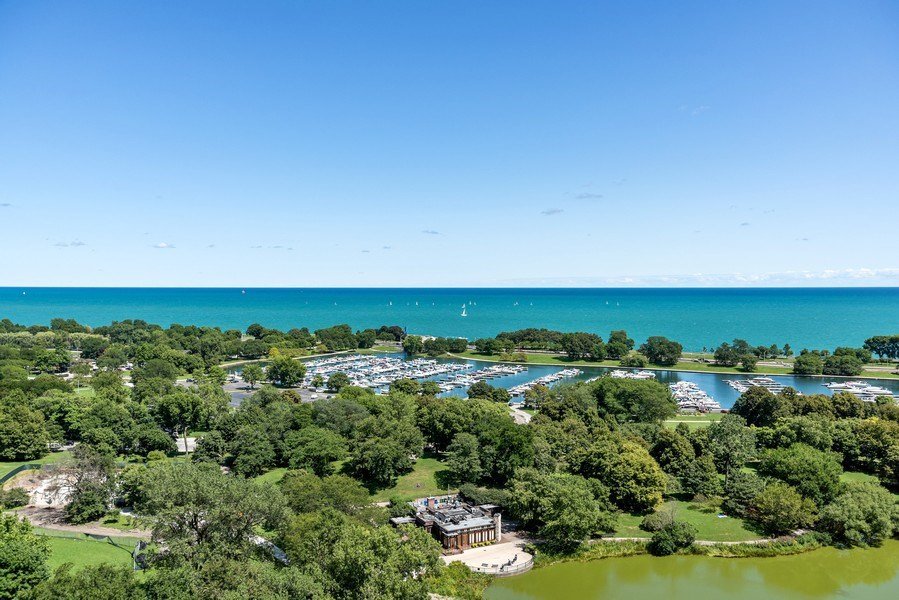 Real Estate Photography - 2550 N. Lakeview Ave., S1805, Chicago, IL, 60614 - Lake View