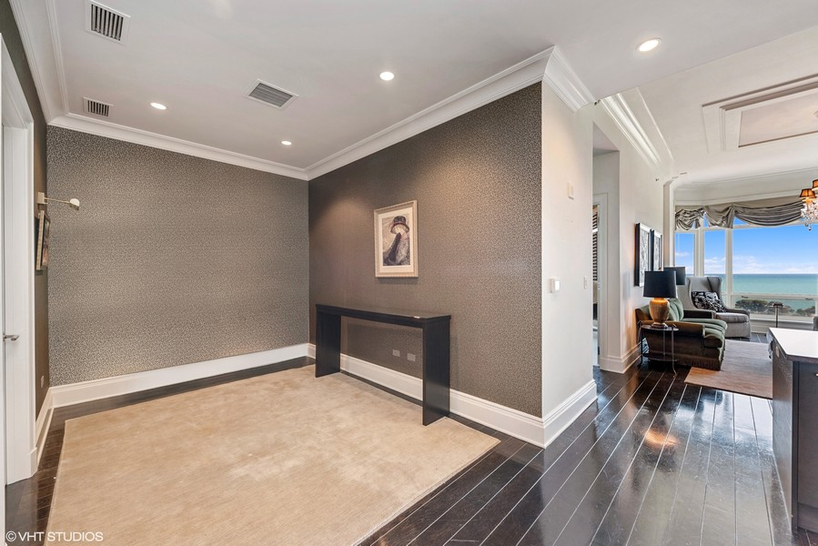Real Estate Photography - 2550 N. Lakeview Ave., S1805, Chicago, IL, 60614 - Dining Room