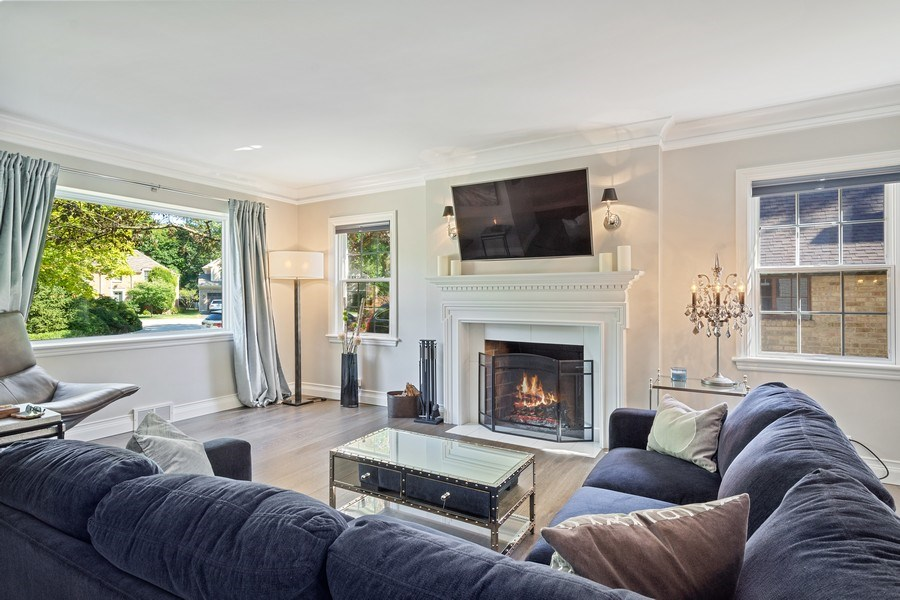 Real Estate Photography - 530 S Belmont Ave, Arlington Heights, IL, 60005 - Living Room