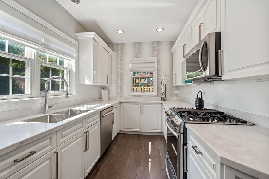 Real Estate Photography - 530 S Belmont Ave, Arlington Heights, IL, 60005 - Kitchen