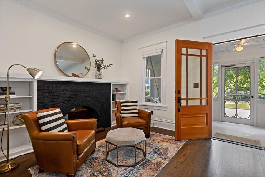 Real Estate Photography - 428 N Kensington Ave, La Grange Park, IL, 60526 - Living Room