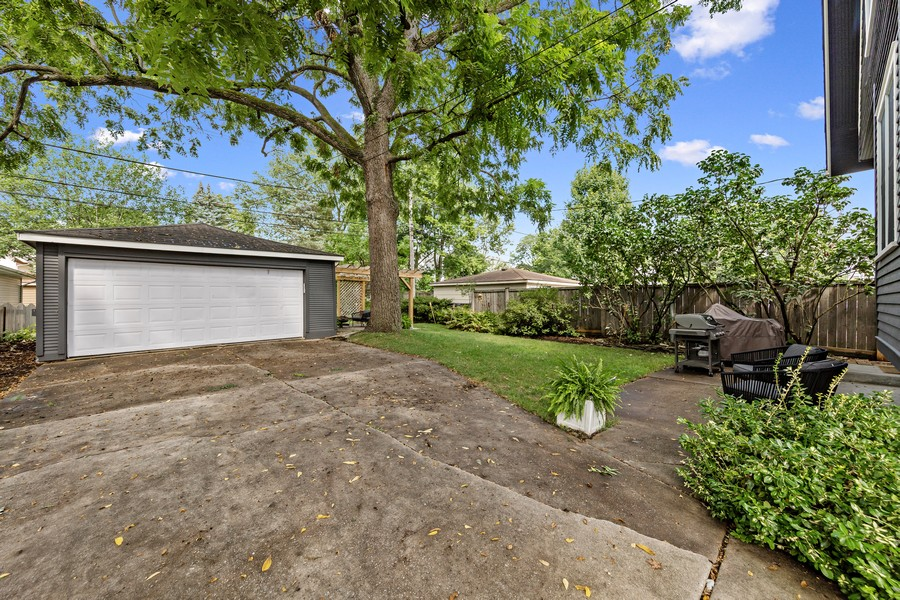 Real Estate Photography - 428 N Kensington Ave, La Grange Park, IL, 60526 - Back Yard