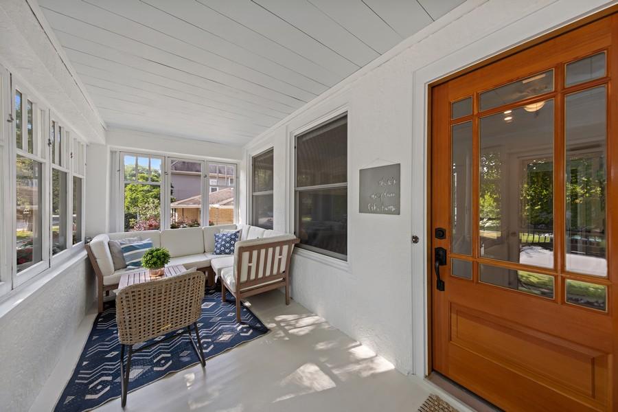 Real Estate Photography - 428 N Kensington Ave, La Grange Park, IL, 60526 - Porch