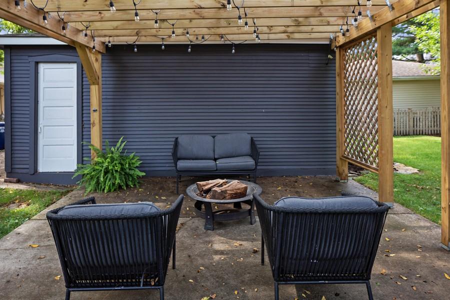 Real Estate Photography - 428 N Kensington Ave, La Grange Park, IL, 60526 - Patio