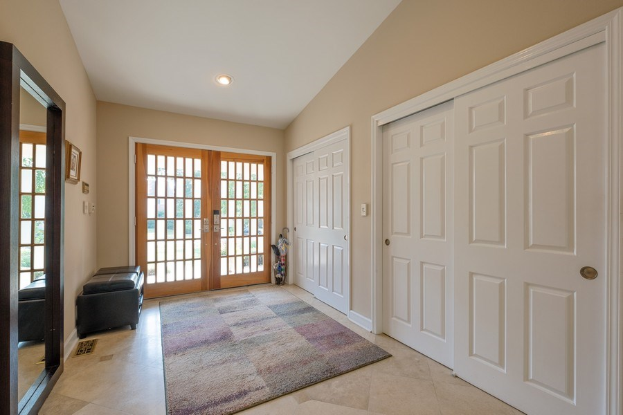 Real Estate Photography - 140 Oakmont Dr, Deerfield, IL, 60015 - Foyer