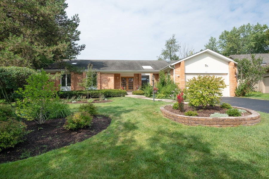 Real Estate Photography - 140 Oakmont Dr, Deerfield, IL, 60015 - Front View