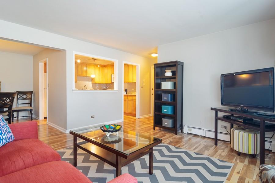 Real Estate Photography - 205 N Ridge, Arlington Heights, IL, 60004 - Living Room