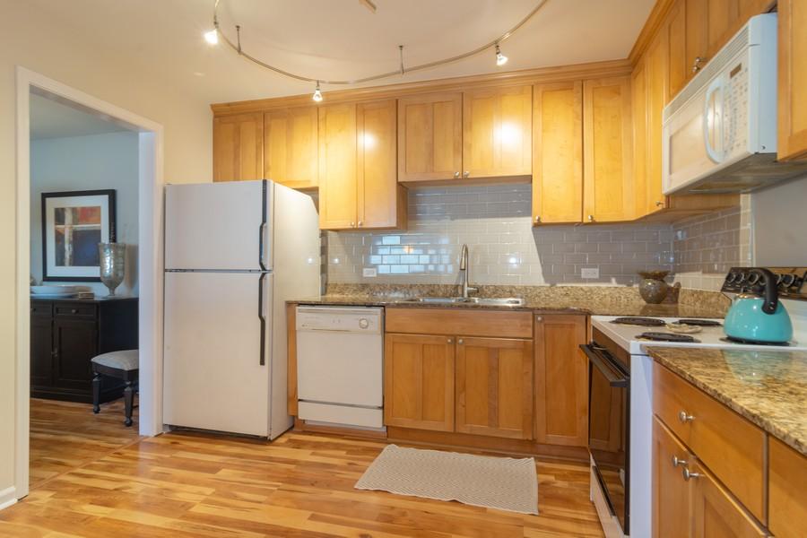Real Estate Photography - 205 N Ridge, Arlington Heights, IL, 60004 - Kitchen