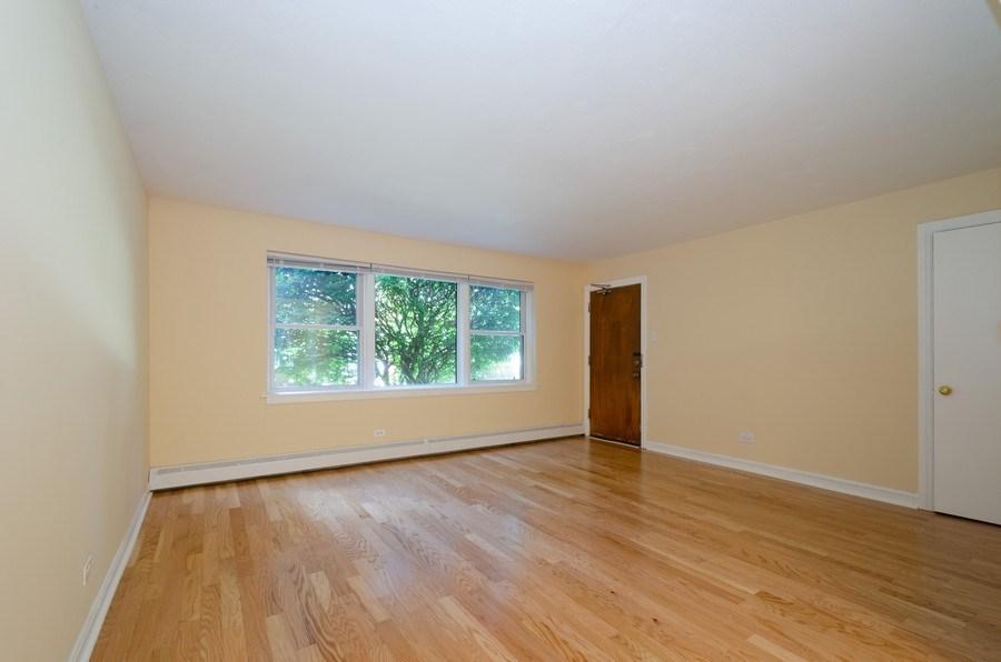 Real Estate Photography - 622 Oakton, #1, Evanston, IL, 60202 - Living Room