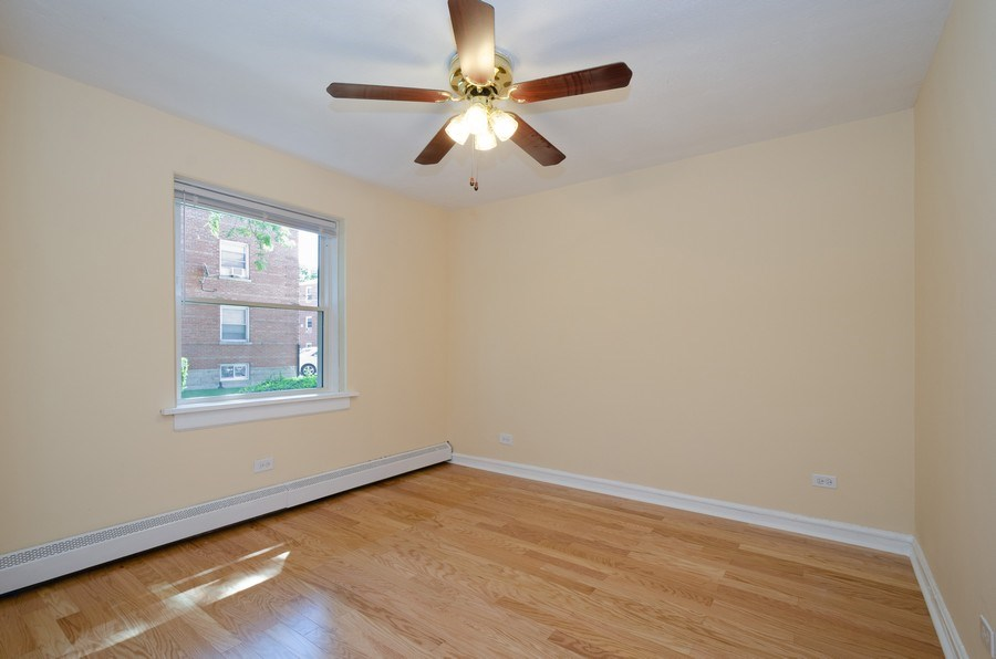 Real Estate Photography - 622 Oakton, #1, Evanston, IL, 60202 - 2nd Bedroom