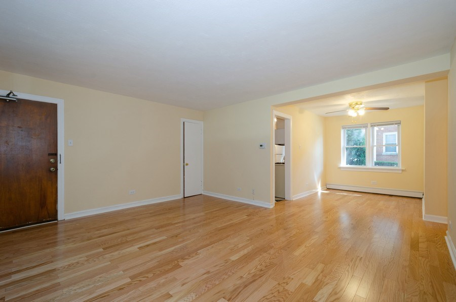 Real Estate Photography - 622 Oakton, #1, Evanston, IL, 60202 - Living Room / Dining Room
