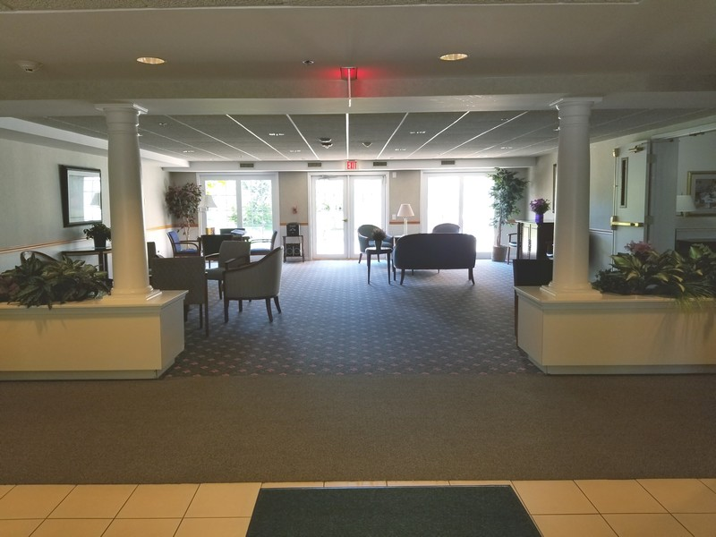 Real Estate Photography - 1220 Depot, Unit 415, Glenview, IL, 60625 - Foyer Lounge