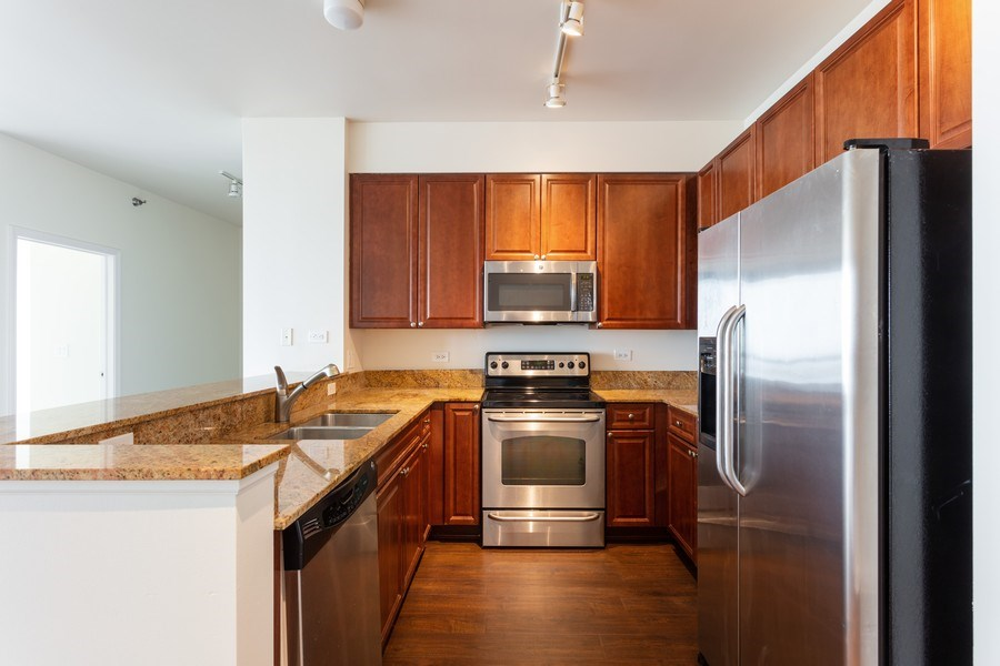 Real Estate Photography - 1841 s calumet, chicago, IL, 60616 - Kitchen