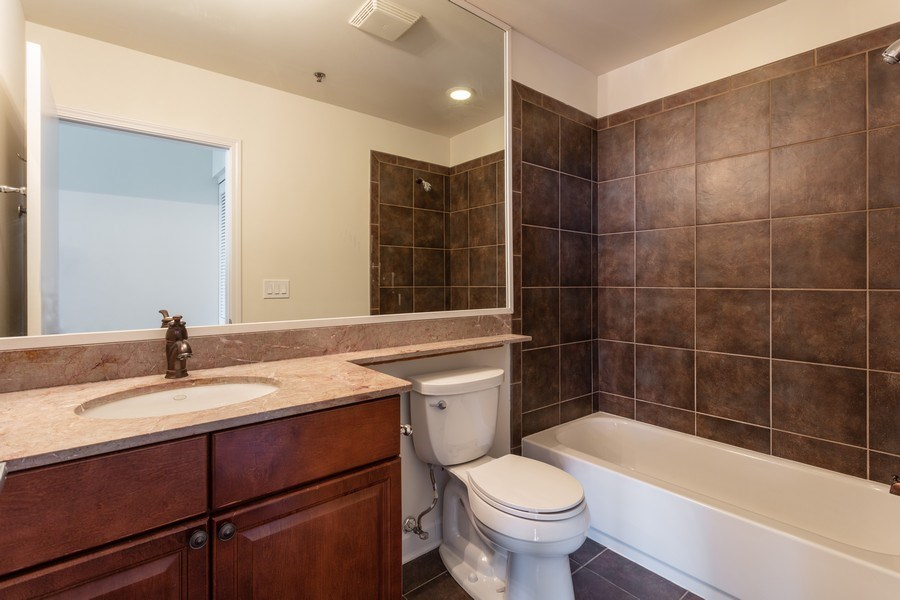 Real Estate Photography - 1841 s calumet, chicago, IL, 60616 - Bathroom