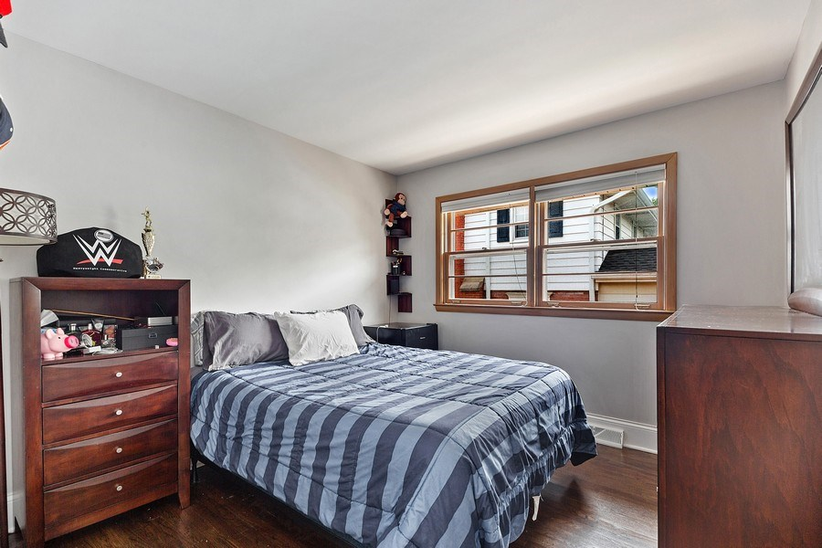 Real Estate Photography - 334 S Gibbons, Arlington Heights, IL, 60004 - 2nd Bedroom