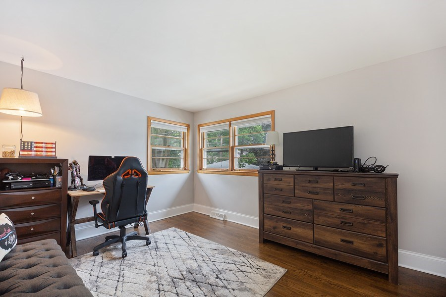 Real Estate Photography - 334 S Gibbons, Arlington Heights, IL, 60004 - Bedroom