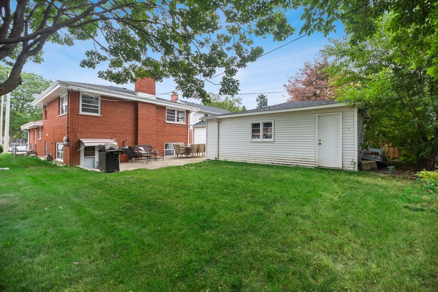 Real Estate Photography - 334 S Gibbons, Arlington Heights, IL, 60004 - Back Yard