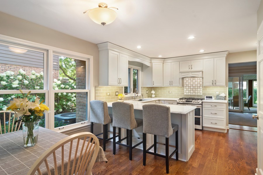 Real Estate Photography - 1522 S Harvard Ave, Arlington Heights, IL, 60005 - Kitchen / Breakfast Room