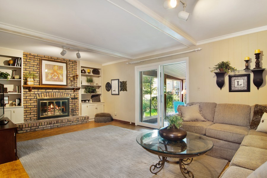 Real Estate Photography - 1522 S Harvard Ave, Arlington Heights, IL, 60005 - Family Room