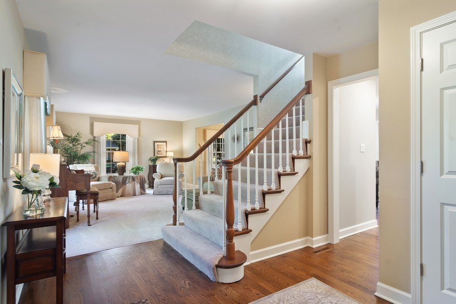 Real Estate Photography - 1522 S Harvard Ave, Arlington Heights, IL, 60005 - Foyer