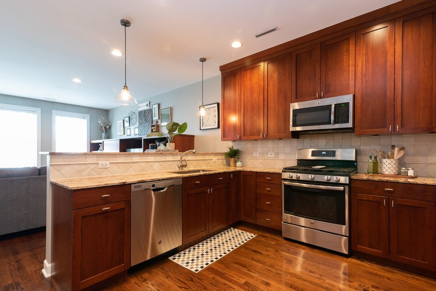 Real Estate Photography - 2451 N Clybourn, Chicago, IL, 60614 - Kitchen