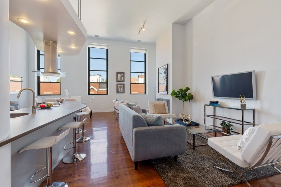 Real Estate Photography - 1445 W. Belden Ave, Unit 3K, Chicago, IL, 60614 - Living Room