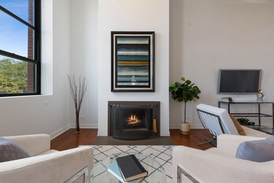 Real Estate Photography - 1445 W. Belden Ave, Unit 3K, Chicago, IL, 60614 - Sitting Area
