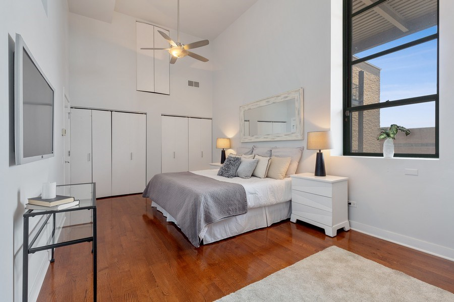 Real Estate Photography - 1445 W. Belden Ave, Unit 3K, Chicago, IL, 60614 - Master Bedroom