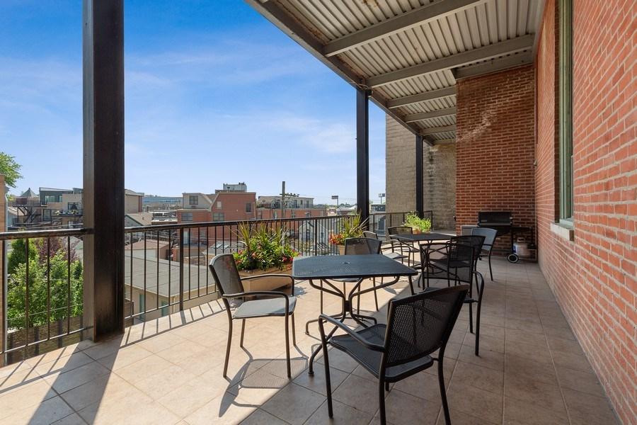 Real Estate Photography - 1445 W. Belden Ave, Unit 3K, Chicago, IL, 60614 - Deck