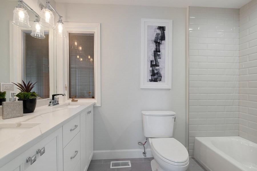 Real Estate Photography - 195 Linden Park Pl, Highland Park, IL, 60035 - 3rd Bathroom