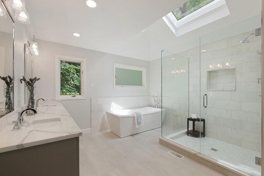 Real Estate Photography - 195 Linden Park Pl, Highland Park, IL, 60035 - Master Bathroom