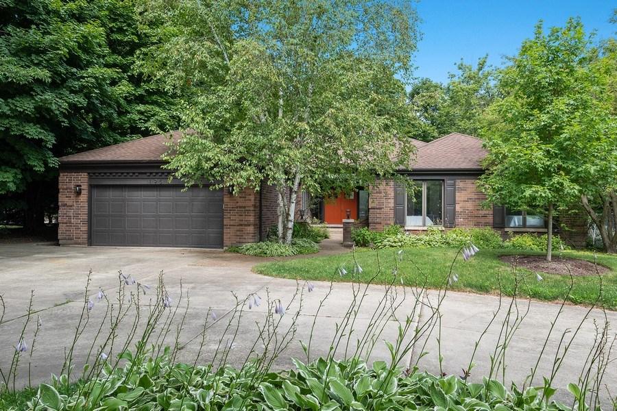 Real Estate Photography - 195 Linden Park Pl, Highland Park, IL, 60035 - Front View