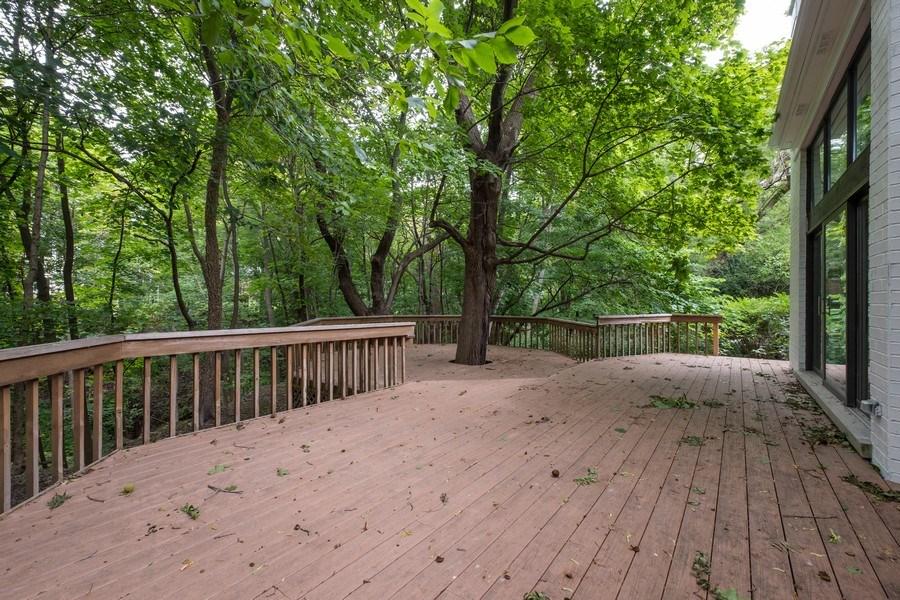 Real Estate Photography - 195 Linden Park Pl, Highland Park, IL, 60035 - Deck