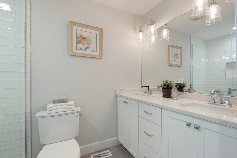 Real Estate Photography - 195 Linden Park Pl, Highland Park, IL, 60035 - 2nd Bathroom