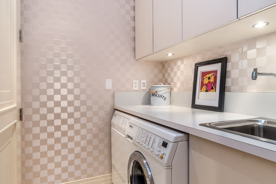 Real Estate Photography - 159 Walton, unit 11-F, CHICAGO, IL, 60611 - Laundry Room