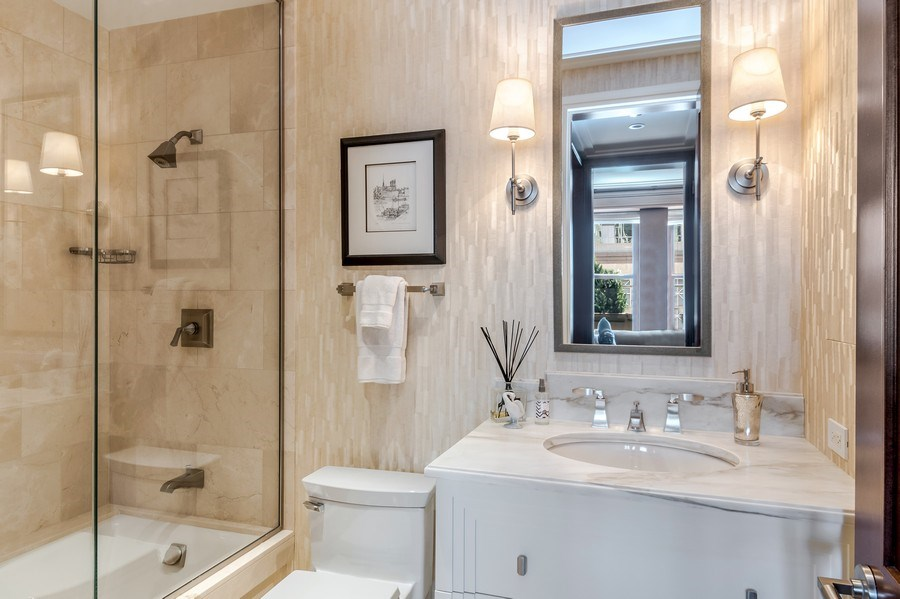 Real Estate Photography - 159 Walton, unit 11-F, CHICAGO, IL, 60611 - Bathroom